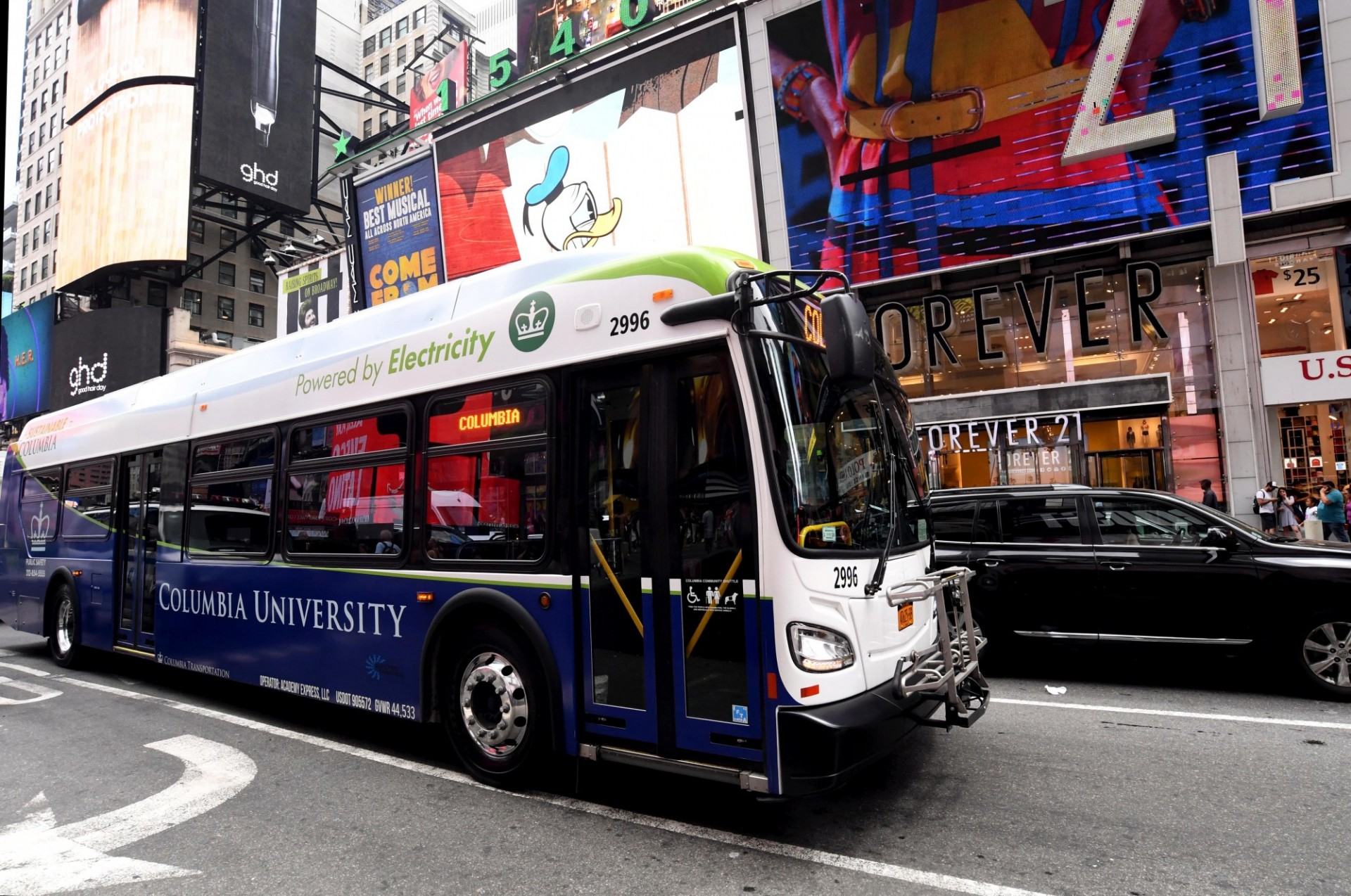 Electric bus in Times Square